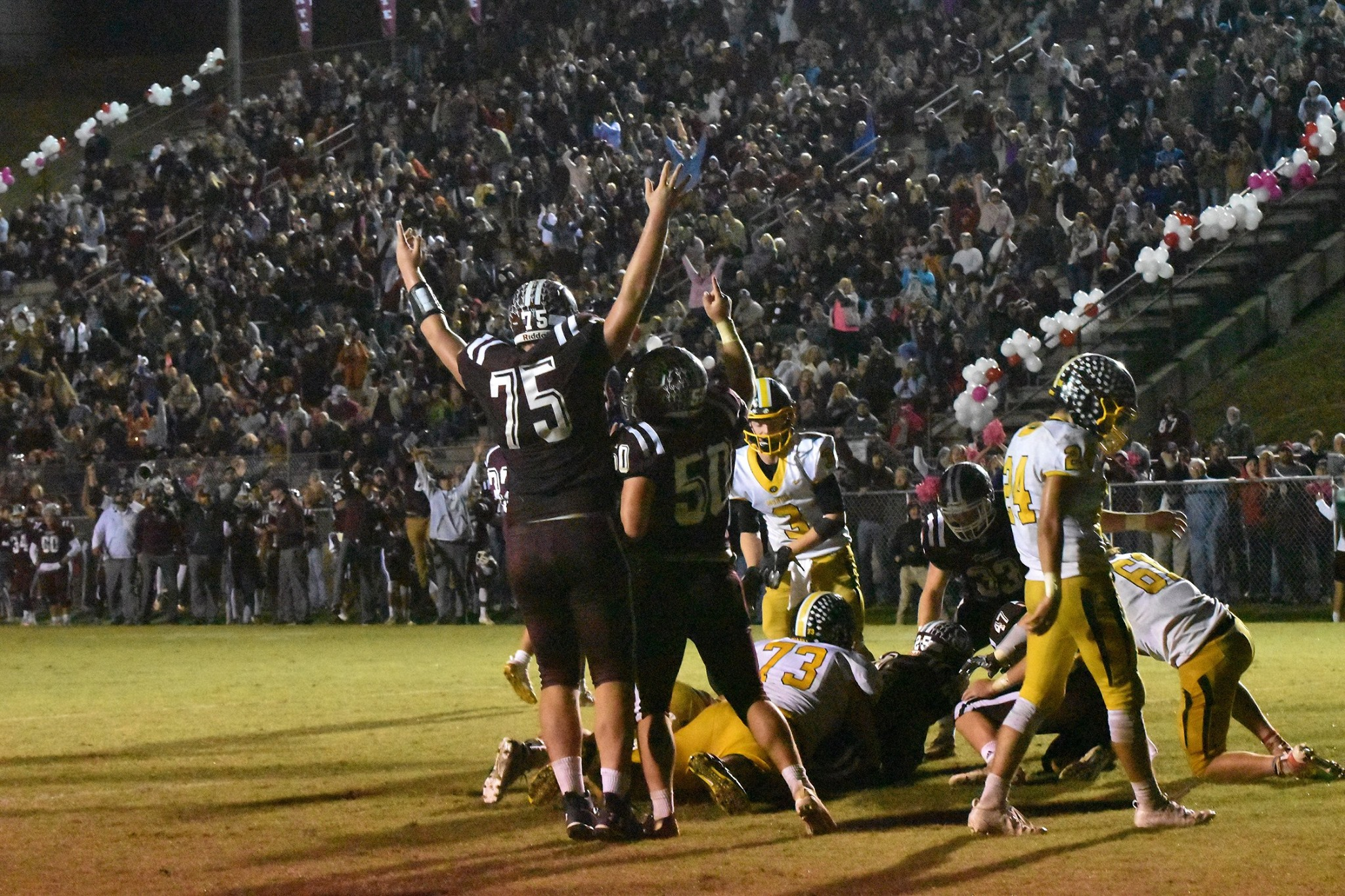 Maroon Devils Run Out of Time in Showdown With Murphy