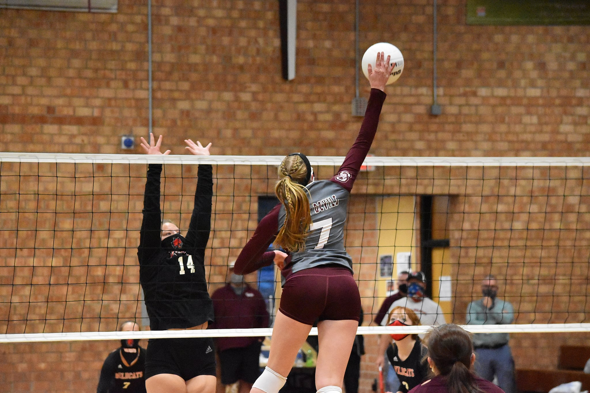 Lady Devils Fall in Final Volleyball Match